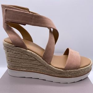 Franco Sarto Wedges Daxon Peach Size 10M